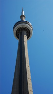 06-toronto-cntower-side2
